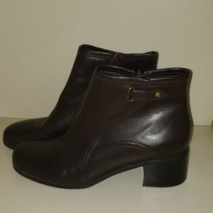 Life Stride Booties Size 9